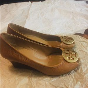 Tory Burch Size 7.5 Tan Wedges Shoes Luxury